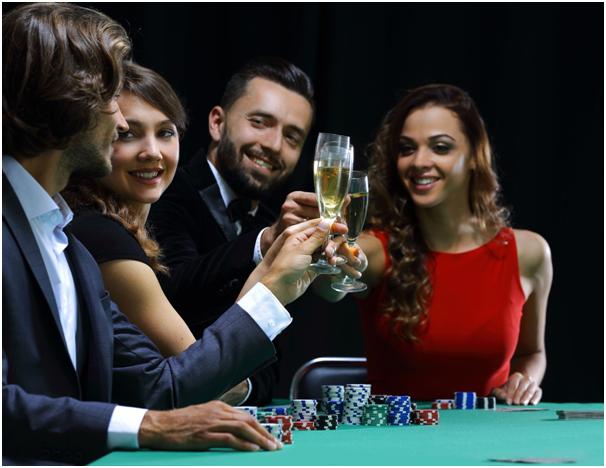 The social aspect of online casino gaming: why do people prefer playing with friends?